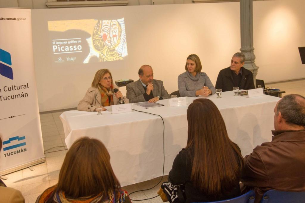 Bardón en la conferencia sobre El lenguaje gráfico de Picasso-UNT Miguel Armoa