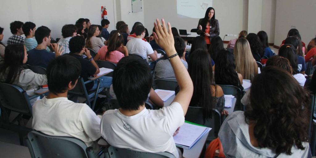 Estudiantes de Derecho-UNT Web