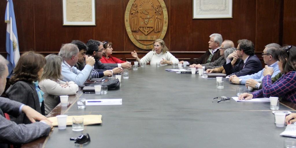 Reunión Bardón con decanos y miembros de la Secretaría de Trabajo-web (2)