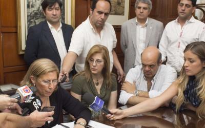 conferencia de prensa de la rectora alicia bardon para web