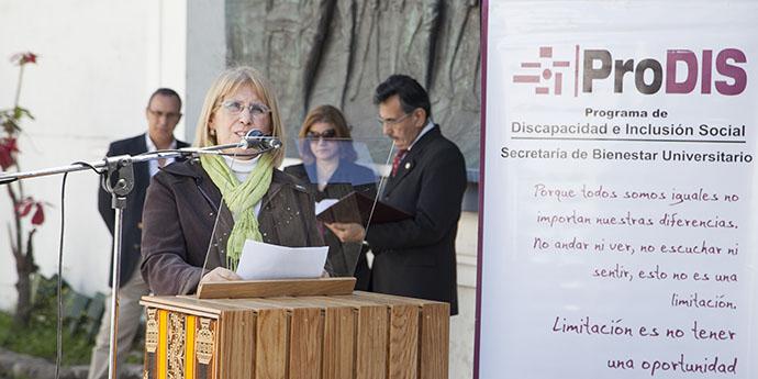 La Rectora de la UNT brindó su discurso inaugural durante la ceremonia.