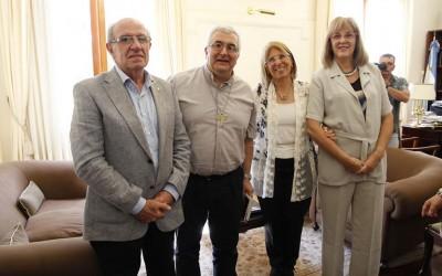 Visita del Arzobispo Carlos Sanchez