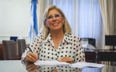 Rectora Alicia Bardón
