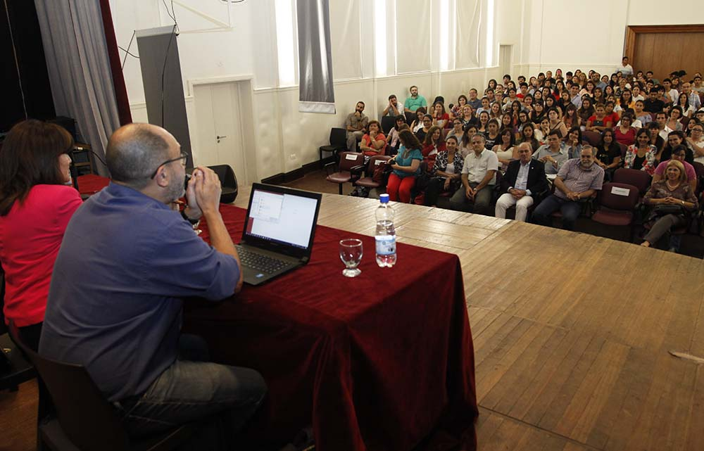 CONFERECIA DE PABLO PINEAU 4
