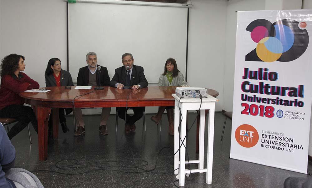 conferencia de prensa por el julio cultural 1