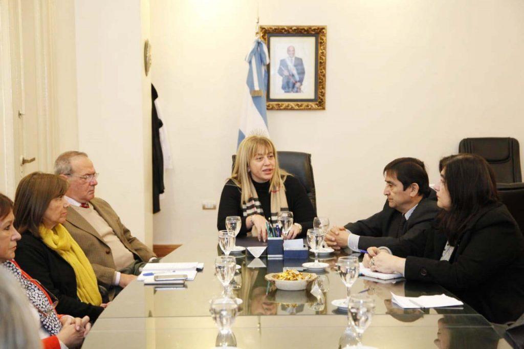reunión decano de medicina y autoridades del ministerio de salud-foto ministerio de salud de la provincia