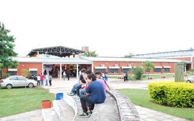 Frente Instituto Técnico de Aguilares foto Luis Ferrando