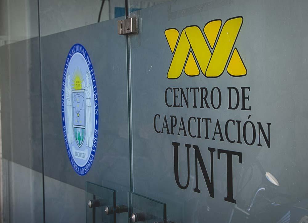 frente centro de capacitación foto adrián lugones