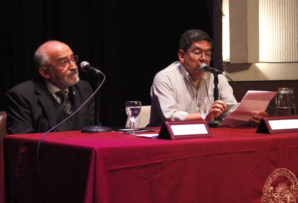 PRESENTACION DEL LIBRO DE SALVADOR CHAILE - FOTOGRAFIA JOSE SALDIAS