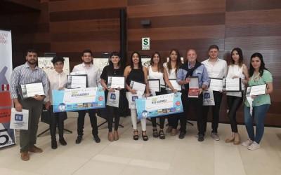Alumnos premiados en Perú
