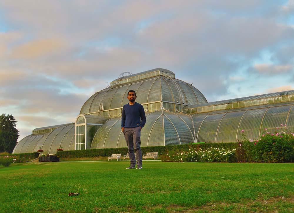 Matías Salas en el jardín botánico de Londres - web