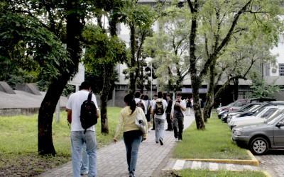 Estudiantes de la Facultad de Ciencias Exactas