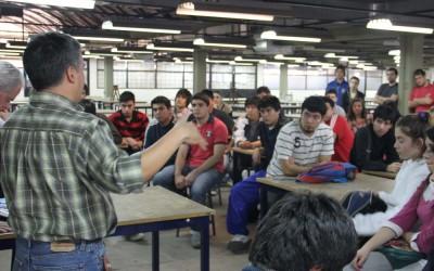 Clase en los talleres de la FAU foto archivo José Luis Saldías