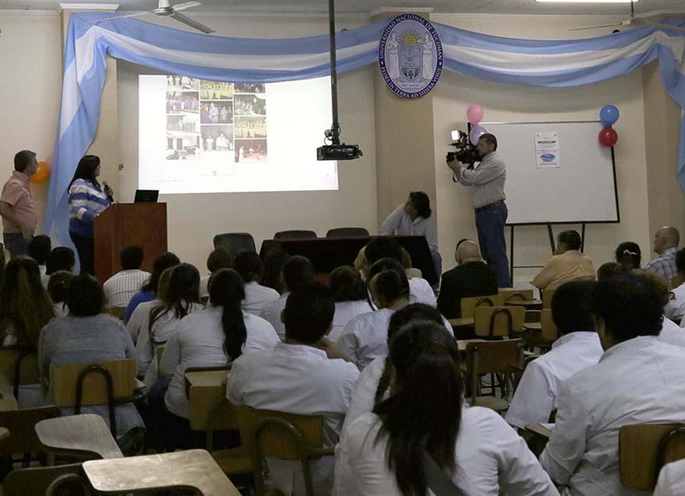 ESTUDIANTES DE ENFERMERÍA FOTO ARCHIVO ADRIÁN LUGONES