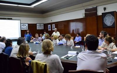 reunión sobre sistema informático foto secretaría académica unt